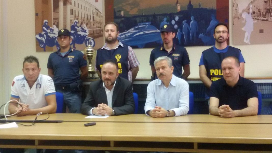 Cuneo: documenti falsi per far ottenere il permesso di ...