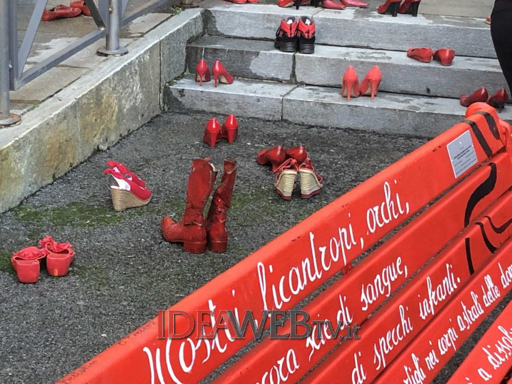robilante inaugura la panchina rossa per la lotta contro la violenza sulle donne www ideawebtv it quotidiano on line della provincia di cuneo lotta contro la violenza sulle donne