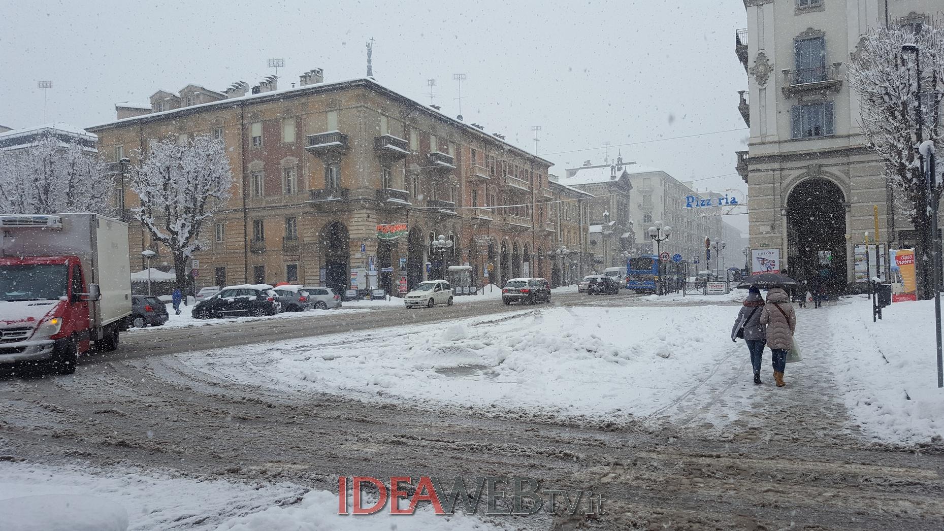 Cuneo sotto la neve arrivata the big snow foto e for Arredamenti cuneo e provincia