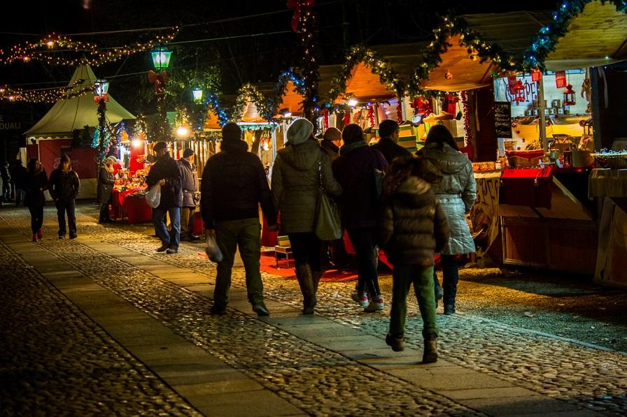 Risultati immagini per Il Magico Paese di Natale (16 novembre – 22 dicembre) Govone (CN) - 13^ edizione