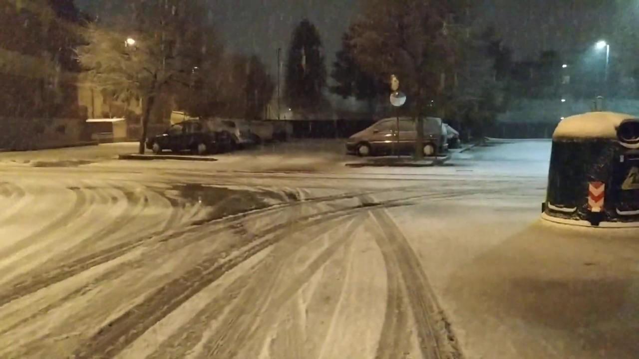 Meteo: primi fiocchi di neve anche a Bra (VIDEO) - IdeaWebTv